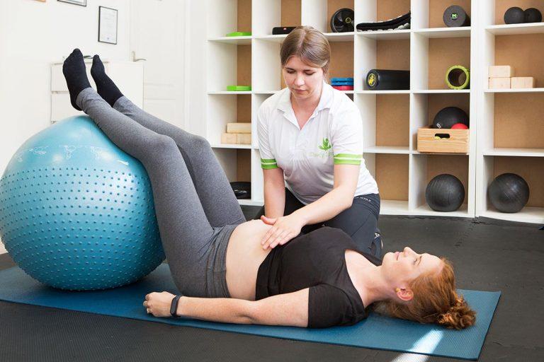 Miednica w trakcie ciąży i porodu. Dlaczego tak ważne są mięśnie dna miednicy?